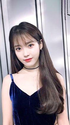 IU Woman Trousers first woman to wear trousers in the world Cute Korean, Korean Girl, Kpop Girl Groups, Kpop Girls, Korean Beauty, Asian Beauty, Iu Twitter, Iu Fashion, Jennie Blackpink
