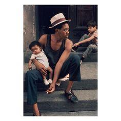 New York 1972  Helen Levitt | @lalahshakur.art by thebkcircus