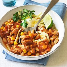 Clinton Kelly's Slow Cooker White Bean Chicken Chili #myplate #vegetables #protein #dairy White Bean Chicken Chili Slow Cooker, Slow Cooker Chili, Slow Cooker Chicken, Slow Cooker Recipes, Crockpot Recipes, Easy Party Food, White Beans, White Bean Chili, Bean Chilli