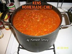 From my Friend Ken, this Chili is amazing! ♥ KEN'S HOMEMADE CHILI ♥ Ingredients: 3 Lbs Angus ground chuck, or coarse ground chili meat. Chili Recipe With Tomato Juice, Homemade Tomato Juice, Chili Soup Recipe, Tomato Juice Recipes, Canned Tomato Juice, Chilli Soup, Homemade Chili, Great Chili Recipes, Chilli Recipes