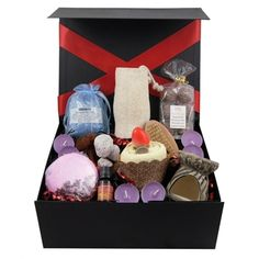"This wonderful ""Relaxing bath"" gift box hamper comes filled with some lovely treats for relaxing bath time. Included is a lovely oil burner, scented oil, night lights and special bathing and relaxation products and sweet treats. Lovely gift on any occasion"