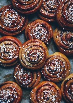 Cinnamon Bun Recipe, Cinnamon Rolls, Apple Hand Pies, Apple Pie, Call Me Cupcake, Chocolate Swirl, Brunch, Gingerbread Cake, Food Cakes