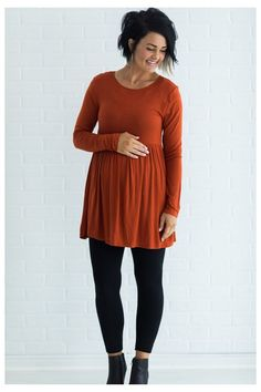 Long Sleeve Ruffle Bottom Tunic #maternity #tunics #to #wear #with #leggings #maternitytunicstowearwithleggings Move right into the cooler months with our new Long Sleeve Ruffle Bottom Tunic! Super soft fabric with long sleeves you're sure to love this top! Maternity Leggings Outfit, Winter Maternity Outfits, Maternity Tunic, Stylish Maternity, Pregnancy Outfits, Dresses With Leggings, Maternity Fashion, Maternity Dresses, Pregnancy Fashion