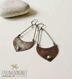 Fascinationstreet B-handmade: Orecchini pendenti in rame e pepita in argento 800.