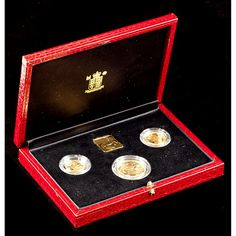 1990 UK Gold Proof Sovereign Three-Coin Set Sold $1,700