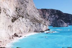 Discover the best beaches in Lefkada! Breathtaking landscapes and turquoise waters that have nothing to envy to the Caribbean seas.