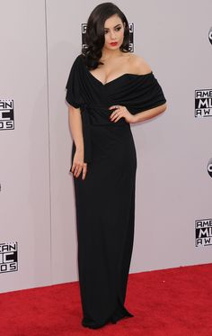 Charli XCX – 2014-11-23 – attends the '2014 American Music Awards' at Nokia Theatre L.A. Live in Los Angeles (no. 6567)