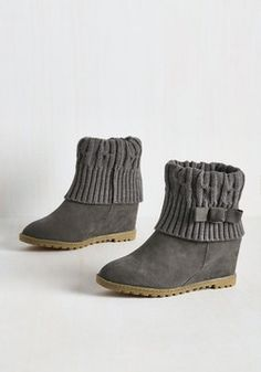 Knit Your Average Boot in Grey