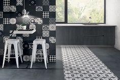 From Fioranese Ceramica, these modern art deco tiles rock the black and white look, don't they? Modern Art Deco, Modern Design, Tropical Tile, Art Deco Tiles, Patchwork Tiles, Outdoor Flooring, Style Retro, Style Tile, Decoration Design