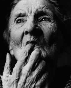 Quale sarà l'impatto globale della demenza tra il 2013 e il 2050? Se ne è occupato Alzheimer Disease International (UK): +17% dei malati rispetto al 2009, 135 milioni di persone affette da demenza entro il 2050, nel 2010 sono stati spesi 604 miliardi di dollari. Cfr.  http://www.alz.co.uk/research/GlobalImpactDementia2013.pdf FOTO di Alex Ten Napel