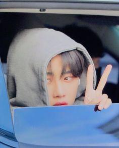 Mafia, Facial Exercises, Cute Posts, Sunset Lover, You Make Me Happy, Kpop Boy, Mamamoo, Kpop Groups, Handsome Boys