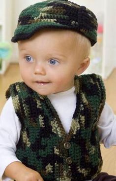 Cute little baby boy crochet outfit!! Free pattern! I would do it in plain navy or brown =)