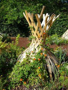 pourquoi ne pas peindre un arbre mort festival des jardins de chaumont sur loire 2012 arbres. Black Bedroom Furniture Sets. Home Design Ideas