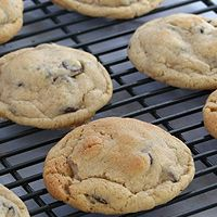The Perfect Chocolate Chip Cookie ! Literally . Step by step . Solves and explains problems :)