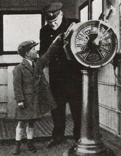 This photo shows Captain Smith on the bridge with a young boy. I highly doubt that this is on board Titanic. But on another ship the Captain was Master of. But shows what he would have looked like on Titanic. Rms Titanic, Titanic Photos, Belfast, Photos Du, Old Photos, A Night To Remember, Modern History, World History, Liverpool