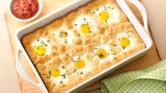 Huevos Rancheros Crescent Bake: This version of huevos rancheros replaces tortillas with crescent rolls for a flaky, delicious breakfast dish. Huevos Rancheros, Crescent Dough, Crescent Rolls, Crescent Ring, Ritz Crackers, Breakfast Dishes, Breakfast Recipes, Breakfast Ideas, Eat Breakfast