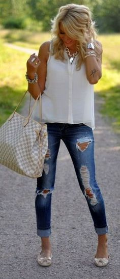 Denim and white, classy! Love the jeans!