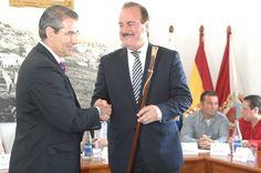 Los concejales de Comfir y del PP dejan sin la alcaldía de Firgas a Manuel Báez