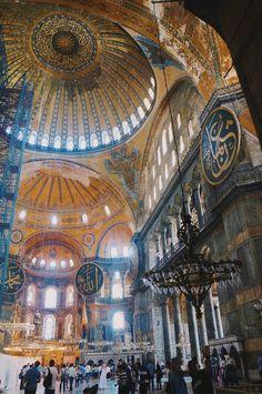 A Peek Inside the Hagia Sophia - A Weekend Crossing