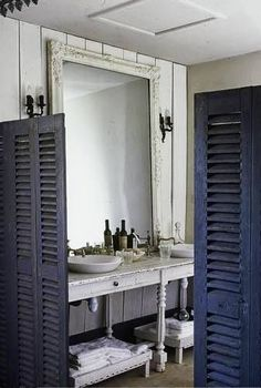 The charm of old bathrooms - My natural house: The charm of old bathrooms French Country Interiors, French Country Cottage, Old Bathrooms, Cottage Bathrooms, Seaside Home Decor, Nautical Interior, French Decor, French Chic, House