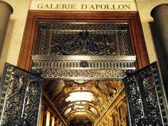 Entrada da Galeria de Apolo - museu do Louvre - Paris - Foto: Arquiteta Cláudia F. Ferreira