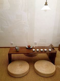 Tea house in Beijing. I love the simplicity of this space. They do not overfill the room.