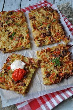 Placek ziemniaczany Raw Food Recipes, Brunch Recipes, Cooking Recipes, Good Food, Yummy Food, Breakfast Menu, Football Food, Yummy Eats, Vegetable Dishes