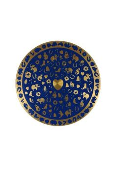 This twinkly vintage compact ticks two boxes: its something old AND blue! £82 from VioletVintageJewellery.com