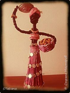 Поделка изделие Лепка Плетение Негритяночка с кофе Бумага газетная Гуашь Тесто соленое Фарфор холодный фото 1