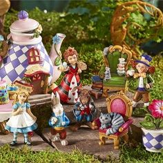 Alice In Wonderland Fairy Garden I Have Such A Fun Time Making These Little Gardens