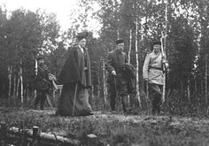 Emperor Nicholas II and Alexandra Feodorovna hunting in the Bialowieza Forest. (K. von Hahn, 1900).