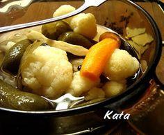 KataKonyha: Vödrös savanyúság Naan, Chicken, Fruit, Recipes, Food, Cilantro, Essen, Meals, Eten