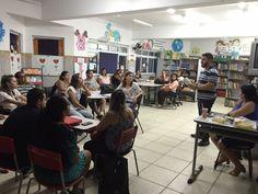Professores discutem pauta da FLIMC em reunião pedagógica