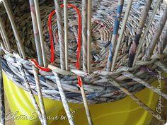 Мастер-класс Поделка изделие Плетение Корзины для овощей - Бумага газетная Трубочки бумажные фото 17