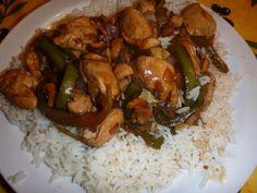 blanc de poulet, oignon, noix de cajou, ail, poivron, cube de bouillon, maïzena, sauce soja, Huile d'olive, gingembre