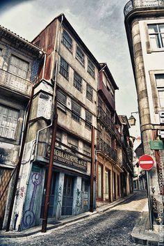 Rua dos Caldeireiros, Porto.