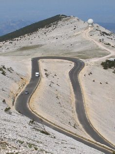 Hairpin turn on the Mont Ventoux in France. Dangerous Roads, Holiday Places, Beaux Villages, Winding Road, Bike Trails, Road Cycling, Touring Bike, France Travel, Places To See