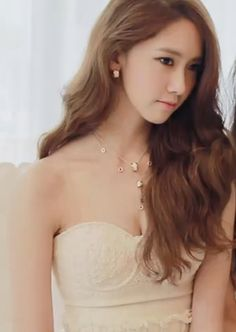 Yoona on High Cut Behind the Scenes