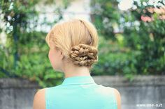 The Ultimate Guide to Gorgeous 10-Minute Hairstyles | http://helloglow.co/ultimate-guide-gorgeous-10-minute-hairstyles/