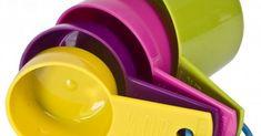 Ο απαραίτητος δοσομετρητής | Αναλογίες υλικών/μετατροπή γραμμάρια σε κούπες/φλιτζάνια, ml σε κούπες, κουταλιά σούπας σε ml, κουταλιές σούπας σε φλιτζάνια Sweets Recipes, Measuring Cups, Cooking, Tableware, Color, Kitchen, Dinnerware, Measuring Cup, Tablewares