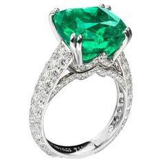 Jewelry Box, Jewelry Accessories, Fine Jewelry, Jewelry Design, Jewelry Stores, Wedding Jewelry, Emerald Jewelry, Emerald Rings, Emerald Diamond