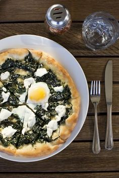 A Verde pizza at Azzurro with spinach, garlic, chiles, ricotta. Photo: Jason Henry, Special To The Chronicle