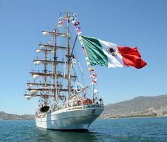Wooden Sailboat, Western Caribbean, Boat Stuff, Luxury Yachts, Tall Ships, Model Ships, Sailboats, Water Crafts, Belle Photo