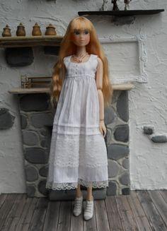 Momoko  romantic dress in pure white