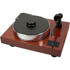 Pro-Ject Xtension 10 Turntable Winner of the 2014 Golden Ear Award from The Absolute Sound Magazine The Pro-Ject Xtension 10 shares much with its larger brother, the Xtension 12. Designed to be a smal