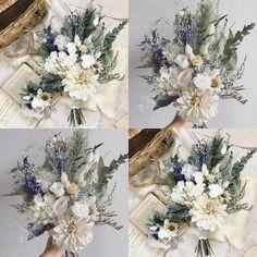 いいね!78件、コメント1件 ― Flory(フローリー)さん(@flory0515)のInstagramアカウント: 「happy wedding*✨ . *ブーケ *ブートニア 作らせて頂きありがとうございました . 素敵な式になりますように✨ .…」 Bridal Bouquet Fall, Diy Wedding Bouquet, Bridal Flowers, Sola Flowers, Dried Flower Bouquet, Dried Flowers, Wedding With Kids, Bridesmaid Flowers, Handmade Wedding