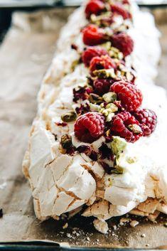 Sweet Recipes, Cake Recipes, Dessert Recipes, Fancy Desserts, No Bake Desserts, Meringue Cake, Sweet Cakes, No Bake Cake, Food Photo