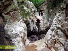 Canionul Valea Seaca: Lumea alpiniştilor   Bihor in imagini Tourist Places, My Memory, Europe, Memories, Travel, Park, Memoirs, Souvenirs, Viajes