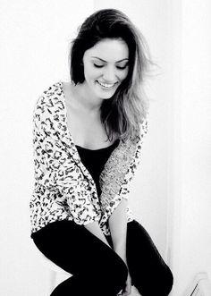 Shy girl-Phoebe Tonkin