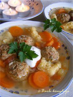Csorba leves húsgombóccal Csorba soup with meatballs Soup Recipes, Diet Recipes, Vegan Recipes, Cooking Recipes, Hungarian Cuisine, Hungarian Recipes, Hungarian Food, Vegan Soups, Ketogenic Recipes